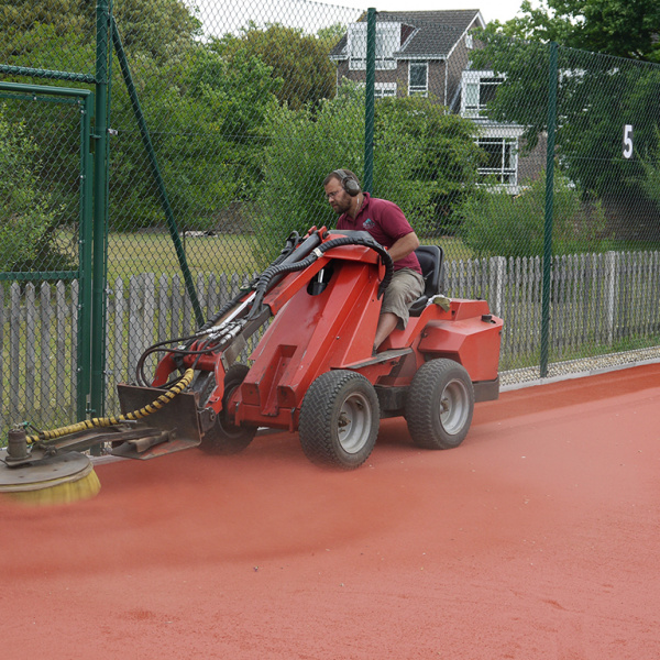 clay tennis court maintenance kent