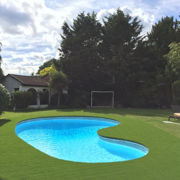 Artificial Grass Swimming Pool